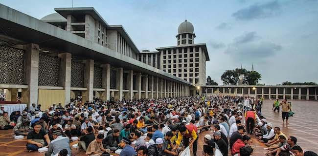 Suasana berbuka puasa di Masjid Istiqlal - katalogue.id