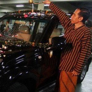 Begitu Mudahkah Jokowi Melupakan Esemka?