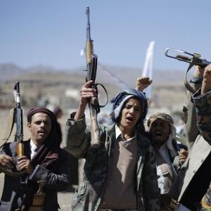 Menlu Sambut 110 WNI yang Dievakuasi dari Yaman