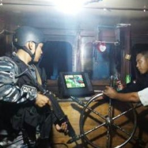 KRI Cut Nyak Dien Tangkap Kapal Ikan Malaysia