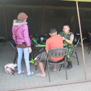 Kostrad Mojokerto Bikin Rest Area Bantu Polisi