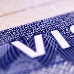 Kebijakan Bebas Visa Merugikan Bangsa Sendiri, Harus Dievaluasi!