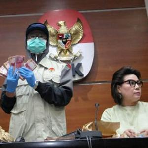 Ketua DPRD Mojokerto Ngaku Baru Pertama Kali Disuap, Tiga Tersangka Lainnya Bungkam