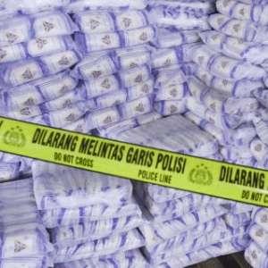 Polisi Sita 40 Ribu Ton Garam Industri Siap Edar