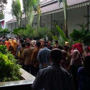 Anies-Sandi Maaf-maafan Dengan Seluruh PNS Balaikota