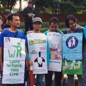 Ahmadiyah Sukseskan Asian Games Dengan Aksi Bersih-Bersih