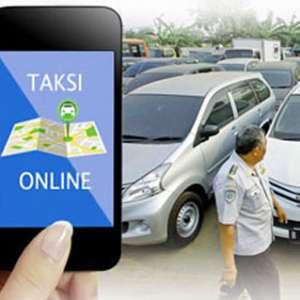 Demo Taksi Online Pasang Spanduk 2019 Ganti Aplikator