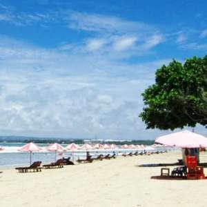 Wisatawan China Jarang Belanja di Pantai Kuta...