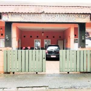 Warna Oranye Mendominasi Kantor KPU Tangerang Selatan