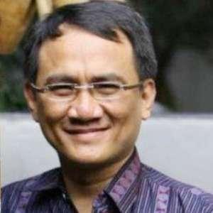 Andi Arief Harus Dikawal Terus Oleh Keluarga