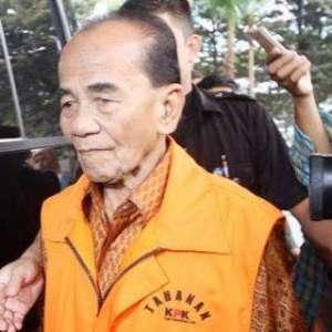 Bos Perusahaan Sawit Tawarkan Duit Rp 8 Miliar Ke Gubernur Riau