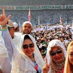 Massa Kampanye Akbar Prabowo Sambut Istimewa Tutut dan Titiek Soeharto