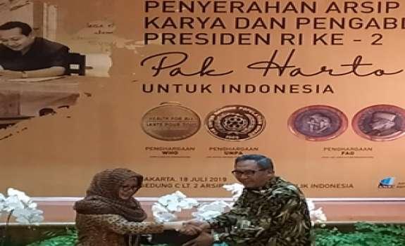 Penyerahan Arsip Soeharto