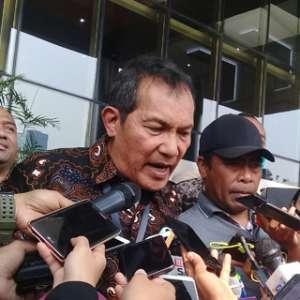 Saut Situmorang Tidak Hadiri Pelantikan Dua Pejabat Penting KPK