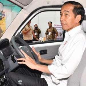 Jokowi Feeling Esemka Bakal Laku Keras