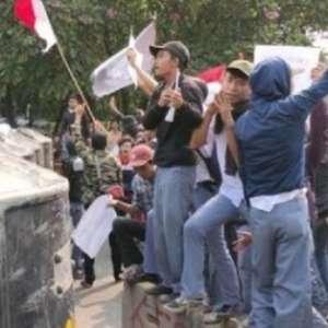 Survei Kedaikopi: Mayoritas Publik Tidak Setuju STM Demo Di DPR