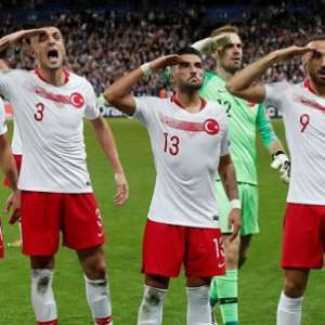 UEFA Selidiki Tim Sepakbola Turki Karena Rayakan Gol Dengan Hormat Militer