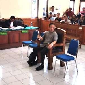 Saksi Bank: Pemilik  Hotel Kuta Paradiso Alih Saham Secara Ilegal
