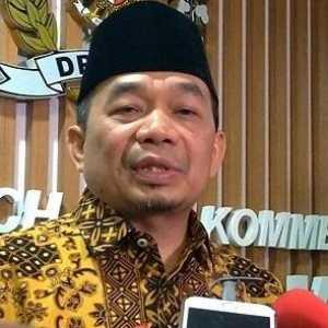 PKS: Sungguh Kemunduran Jika Sertifikasi Halal Dihapus Dalam UU Omnibus Law