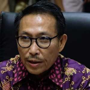 Ketua Komisi III Umumkan 8 Orang Hakim MA Terpilih
