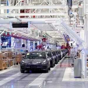 Di Tengah Epidemi Virus Corona, Tesla Kembali Memulai Produksinya