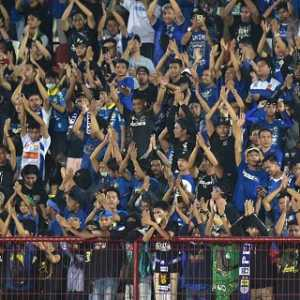 Bobotoh Diizinkan Away Ke Malang, Pelatih Persib Mengaku Senang