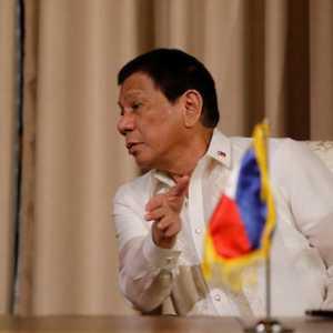 Iwan Sumule Desak Jokowi Ikuti Langkah Duterte Pecat Pejabat Dan Petugas Yang Masukkan Pekerja China