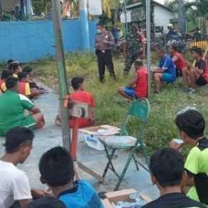 Sepelekan Imbauan Pemerintah, Pertandingan Voli Antardesa Dibubarkan Polisi Dan TNI