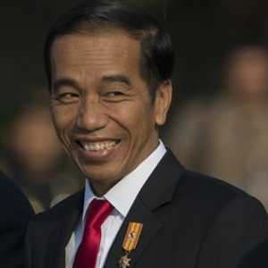 Novel: Ambisi Jokowi Hilangkan Kemiskinan Telah Menentang Sunatullah!