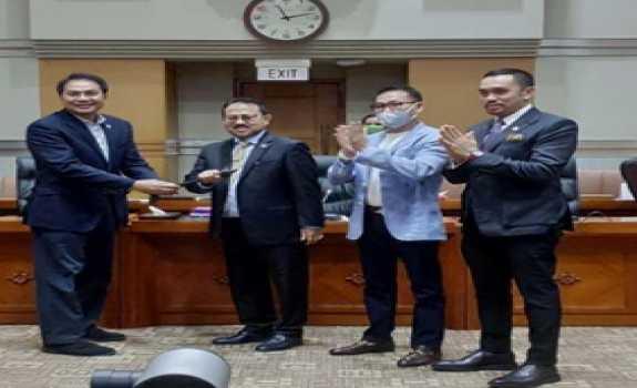 Palu Sidang Komisi III Untuk Pangeran Khairul