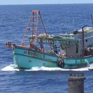 Di Tengah Pagebluk Covid-19, KKP Lumpuhkan Dua Kapal Vietnam Pencuri Ikan