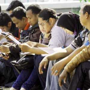 Prediksi CORE: Pengangguran Akibat Covid-19 Di Indonesia Bisa Bertambah Hingga 9 Juta Orang