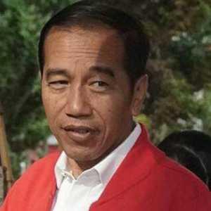 Tidak Turunkan Harga BBM, Jokowi Langgar Aturan UU APBN Dan Permen ESDM 27/2016