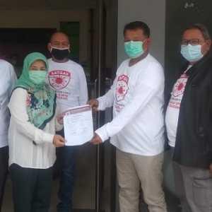 Satgas Daerah Lawan Covid-19 Bagikan Ratusan APD Ke 5 Rumah Sakit Di Kabupaten Tangerang