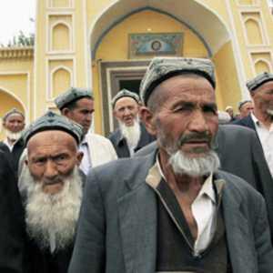 DPR AS Loloskan RUU Terkait Pelanggaran HAM China Terhadap Muslim Uighur
