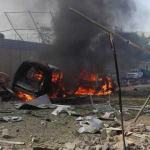 Sebuah Truk Berisi Penuh Amunisi Meledak, Lima Orang Meninggal Dunia