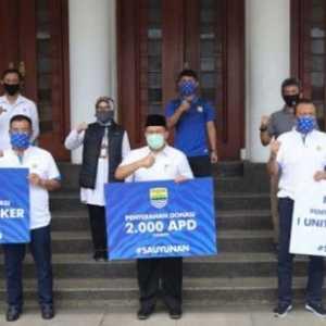 Dukung Kerja Petugas Medis, Persib Bandung Sumbang Ribuan APD Dan Masker