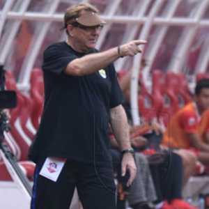 Diisukan Bakal Ditarik Tangani Timnas Indonesia, Pelatih Persib Tetap Santuy