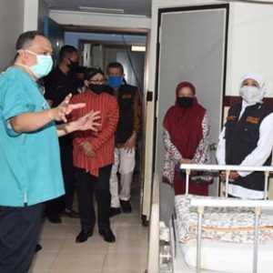Tinjau Layanan Khusus Covid-19 RS Saiful Anwar Malang, Khofifah: Pasien Corona Terlayani Dan Yang Tidak Terjangkit Terlindungi