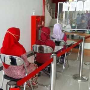 Santri Di Cirebon Jalani Swab Test Sebelum Kembali Ke Pesantren