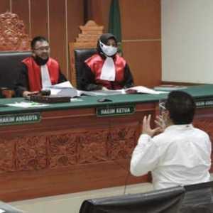 Sidang Kasus Ilham Bintang, Hakim Setuju Saksi Kunci Petugas Indosat Dihadirkan