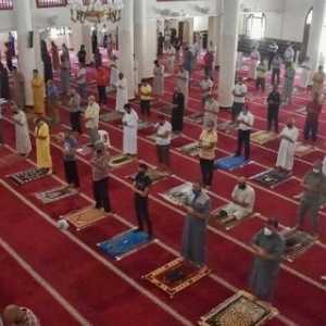 Lima Bulan Tutup, Masjid-masjid Aljazair Terima Jamaah Lagi