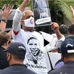 Liput Demo Anti Pemerintah Jurnalis Aljazair Khaled Drareni Dipenjara 2 Tahun