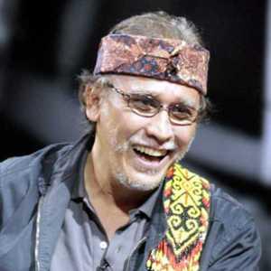 Syekh Ali Jaber Kena Musibah, Iwan Fals Singgung Insiden Penusukan Wiranto