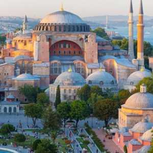 Dua Bulan Pasca Diresmikan Sebagai Masjid, Aya Sofya Dikunjungi Lebih Dari 1,5 Juta Pengunjung