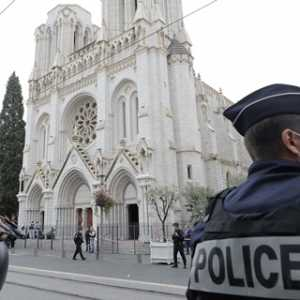 Paus Fransiskus Berdoa Untuk Korban Serangan Di Nice: Semoga Rakyat Prancis Yang Tercinta Dapat Bereaksi Dengan Kebaikan