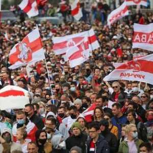 Gelombang Unjuk Rasa Terjang Belarusia, 100 Ribu Demonstran Tuntut Pembebasan Tahanan Politik