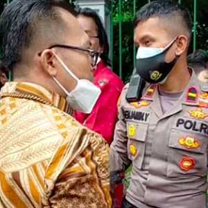 Aktivis ProDEM Diadang Polisi Saat Akan Hadiri Sidang Gugatan UU Corona
