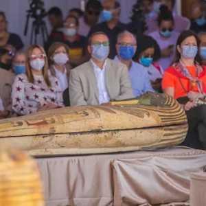 Mesir Temukan 59 Peti Mati Kayu Berisi Mumi Berusia 2.500 Tahun