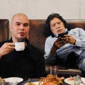 """Ahmad Dhani: Sejak Gus Dur Wafat, Sudah Sepatutnya Nahdliyin """"Berimam"""" Pada Cak Nun"""